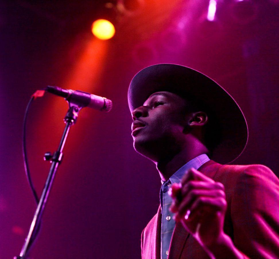 Leon Bridges Under Purple Lights